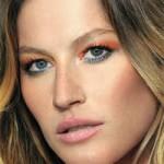 Aprenda a fazer uma maquiagem colorida