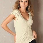 blusa decotada em v
