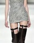 Botas cano alto com vestido curto