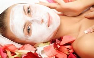 Máscaras faciais para peles oleosas