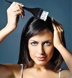 Descoloração ao cabelo provoca queda de cabelo